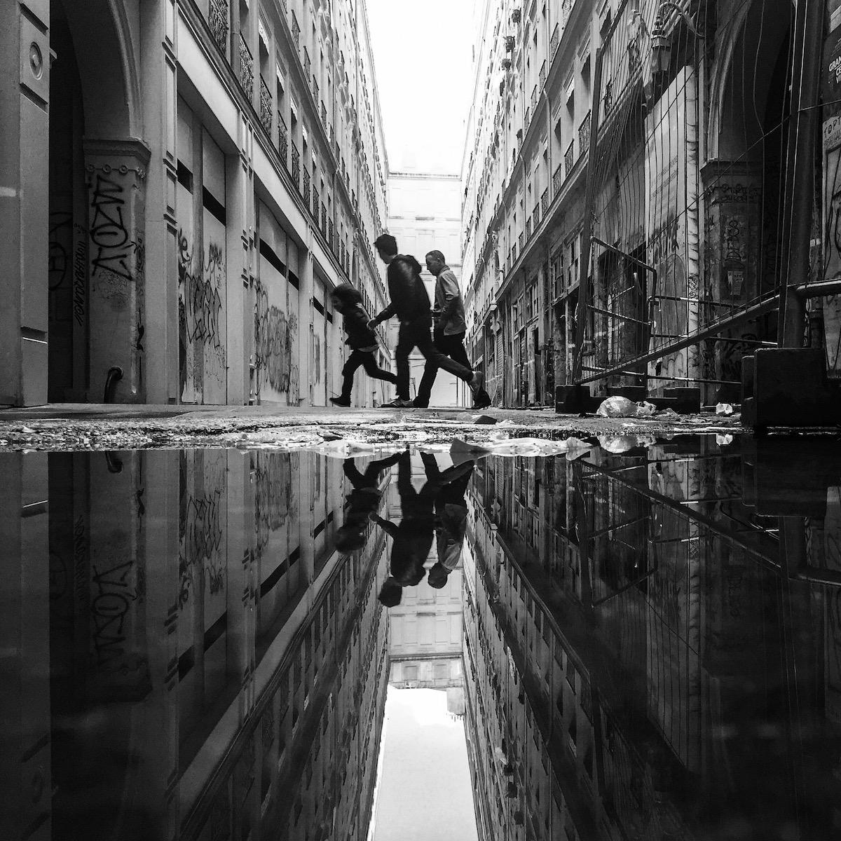 Photo en noir et blanc de Benoit Rousseau - Passage de Lorette 3 générations
