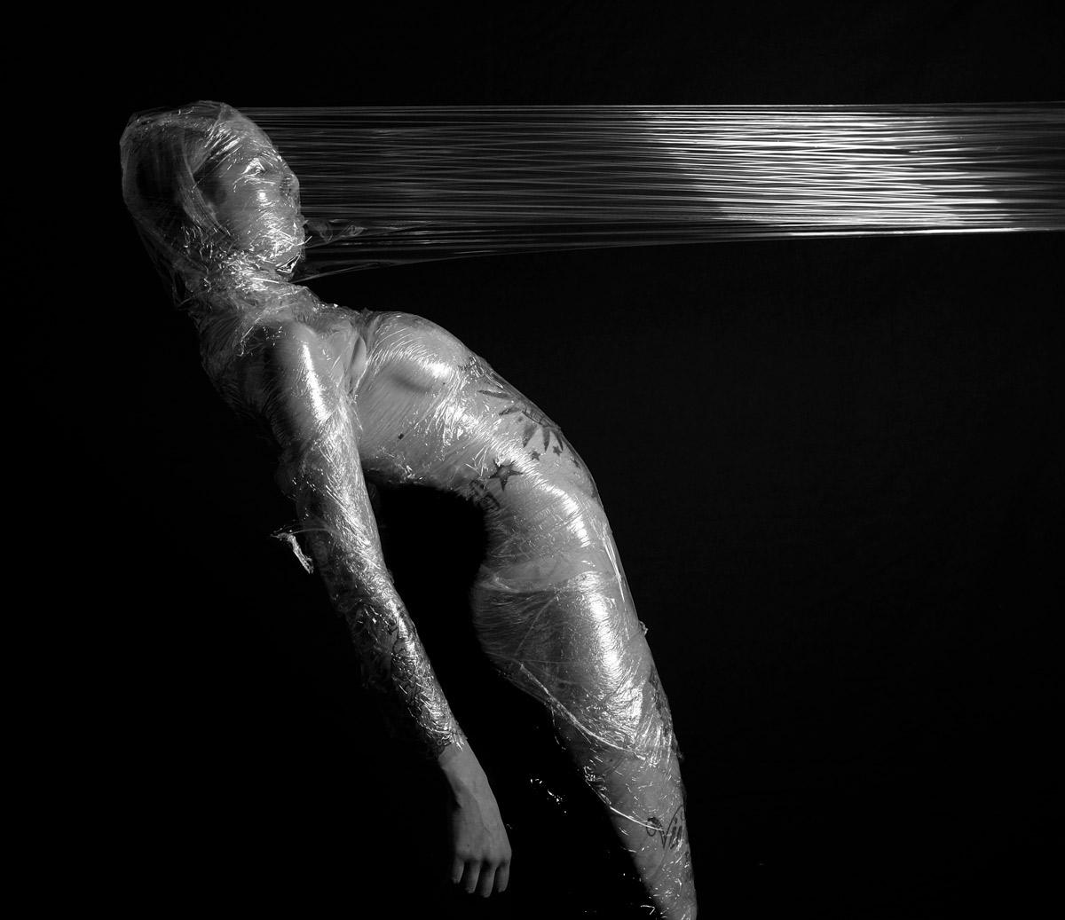 Photo - Julie Lagier - Série BLOW - L'emprise